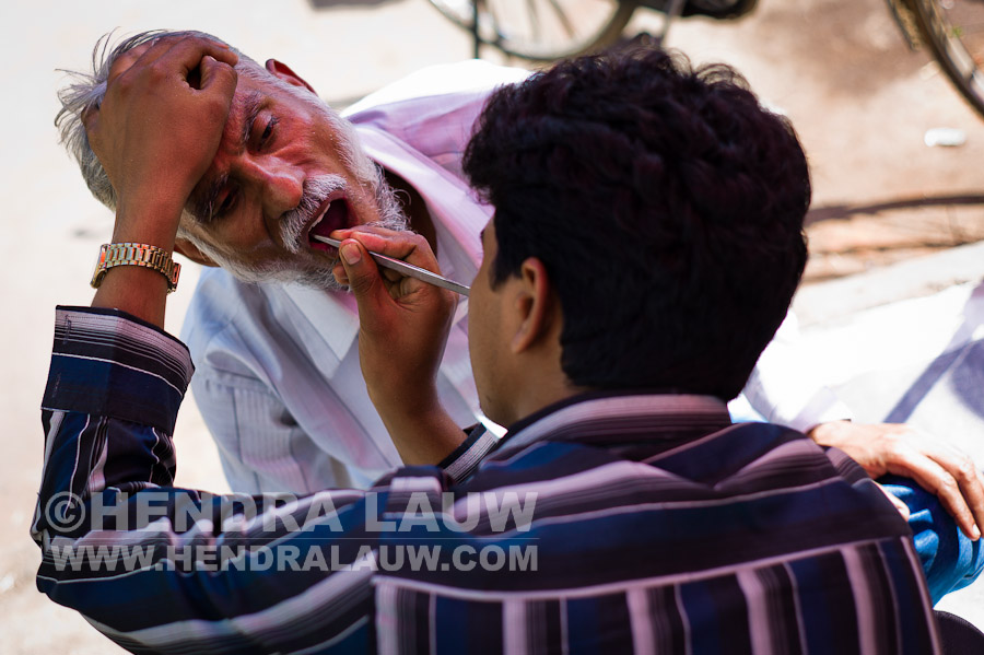 Street Photography in India – The Street Dentist